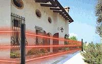 Come proteggere le intrusioni dalle finestre tramite antifurto for Piccoli piani di casa con un sacco di finestre
