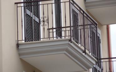 Protezione balcone con sensore per esterno